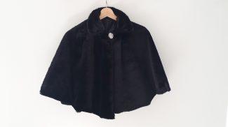 μαύρη κάπα γούνινη , μαύρη γούνα , γούνα μαύρη για βραδινά , μαυρη γούνα περιστέρι , μαύρη γούνα εκάλη , μαύρη γούνα κηφισιά , μαυρη κάπα άγιο στέφανο , γούνινη κάπα άγιο στέφανο , μαύρη γούνα ναύπλιο , μάυρη γούνα άλιμο , μαύρη γούνα θεσσαλονίκη , μαύρη γούνα ίλιον , μαύρη γούνα , πάτρα , μαύρη γούνα βόλο , μαύρη γούνα καβάλα , μαύρη γούνα άγιο δημήτριο , μαύρη γούνα μαρούσι , μαύρη γούνα πεύκη , μαύρη γούνα κερατσίνι , μαύρη γούνα νίκαια , μαύρη γούνα αιγάλεω , μαύρη γούνα μελίσια , μαύρη γούνα ιλισια , μαύρη γούνα καλιθέα μαυρη γούνα ,βουλιαγμένη , μαύρη γούνα βάρη , μαύρη γούνα μαρκόπουλο μαύρη γούνα νέα μάκρη , μαύρη γούνα κορωπί , μαύρη γούνα ελευσίνα , μαύρη γούνα πολύγωνο , μαύρη γούνα άρτα , μαύρη γούνα γιάνεννα